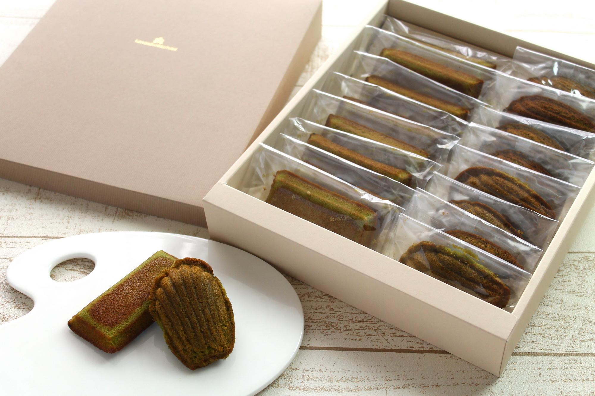 かわさき産はちみつと足柄抹茶の焼き菓子(アソート 16 個入り 4,500 円)