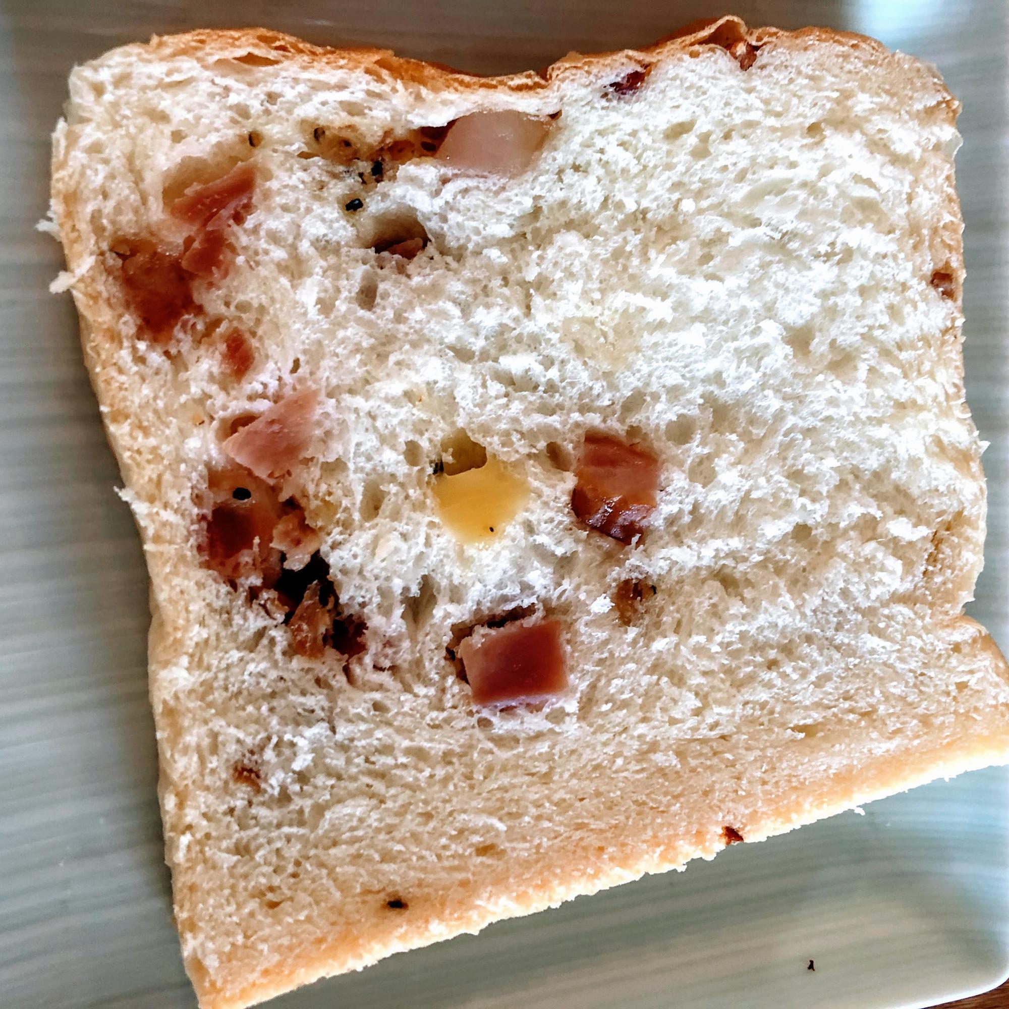 高級ベーコンチーズ生食パンをスライスしてみた