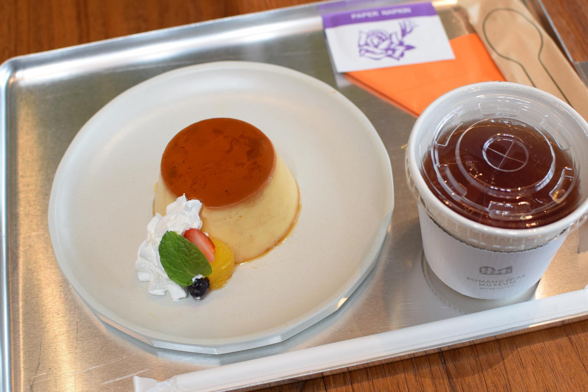 喫茶室プリン ドリンクセット(700円)
