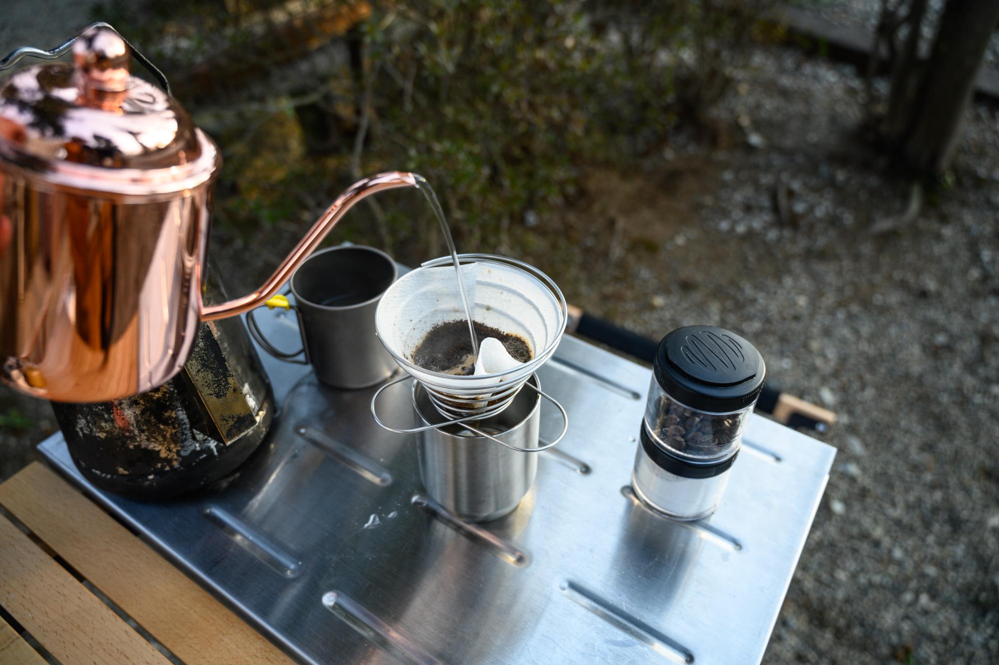 キャンプの朝の醍醐味「挽きたてコーヒー」