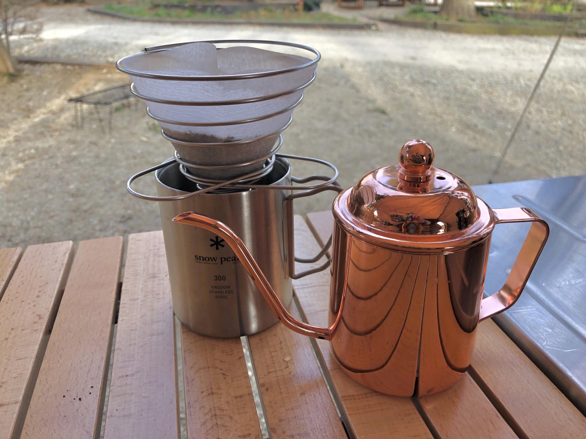 挽きたての朝コーヒーはキャンプの醍醐味の1つ