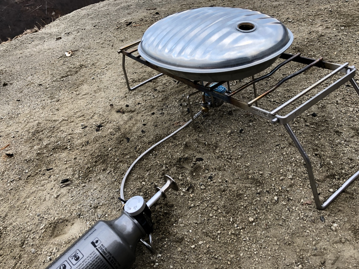 金属製の湯たんぽは直接加熱できて便利
