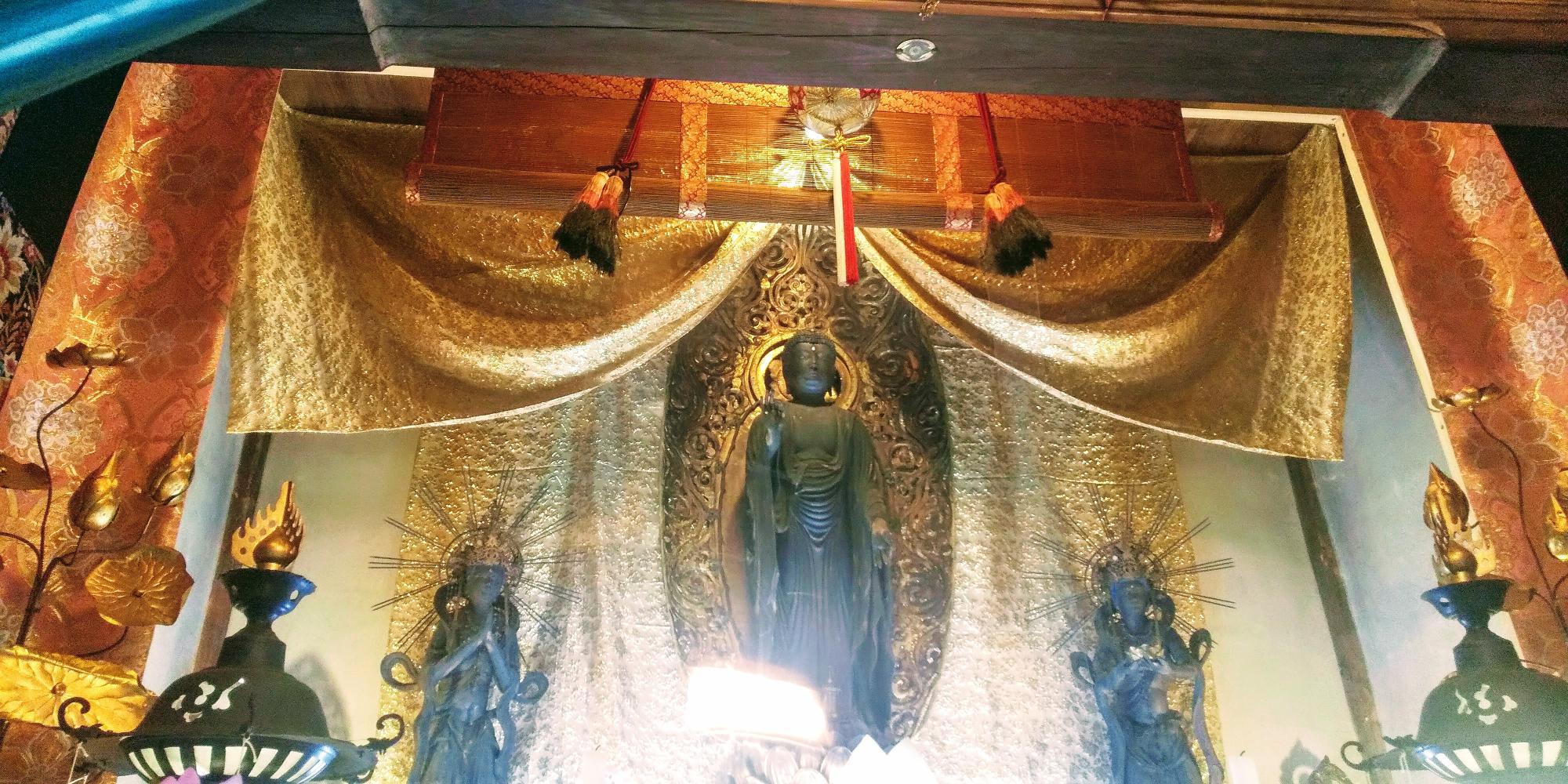 来迎寺の御本尊 阿弥陀如来と脇侍像