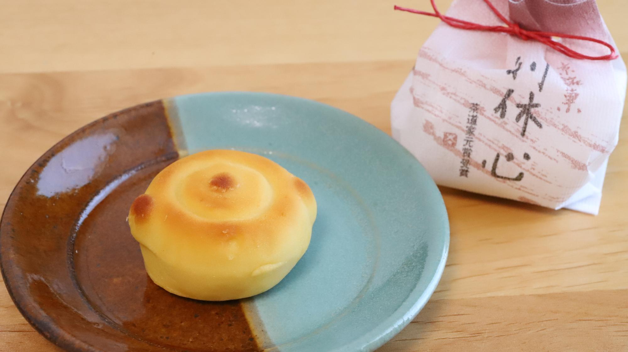 鶴屋長生の茶釜型和菓子、利休心