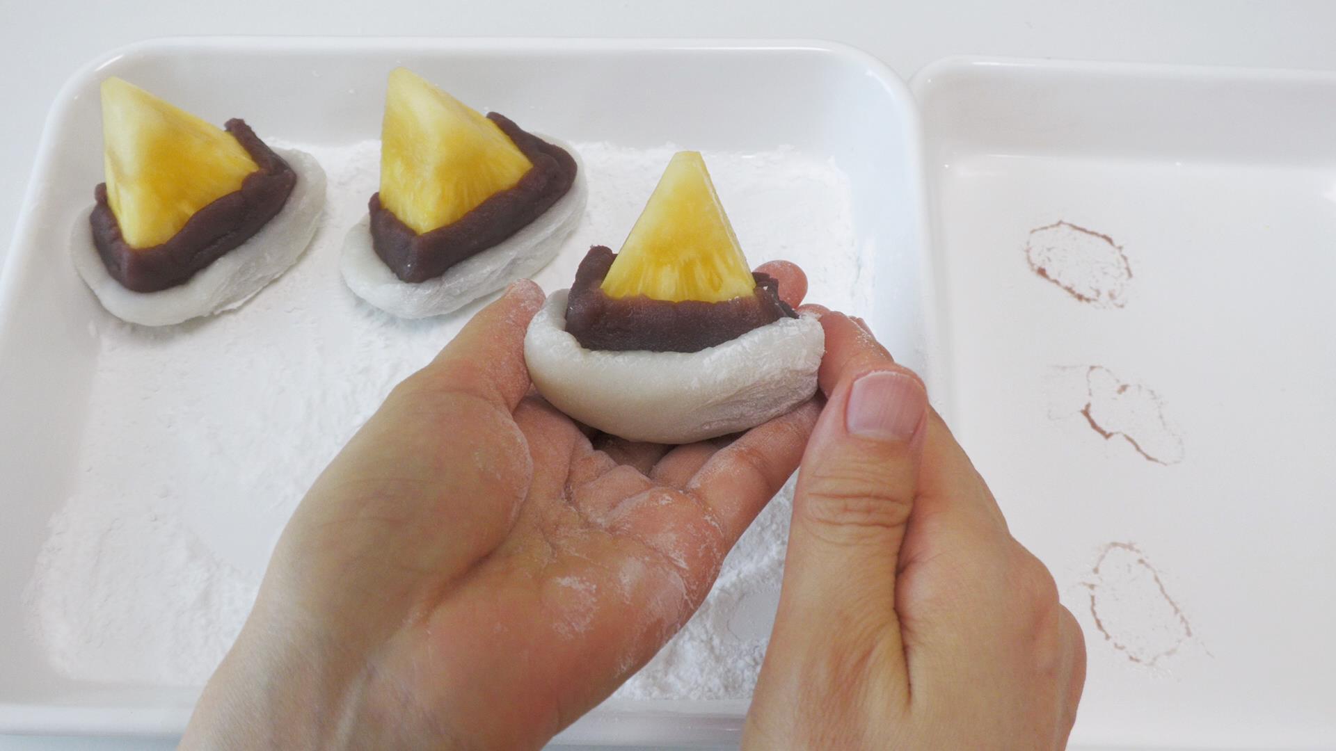 台湾パイナップルで大福をつくる フルーツ大福できあがり