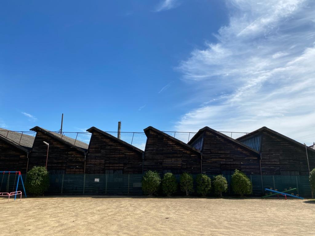 一宮市の のこぎり屋根工場(一宮商工会議所提供)