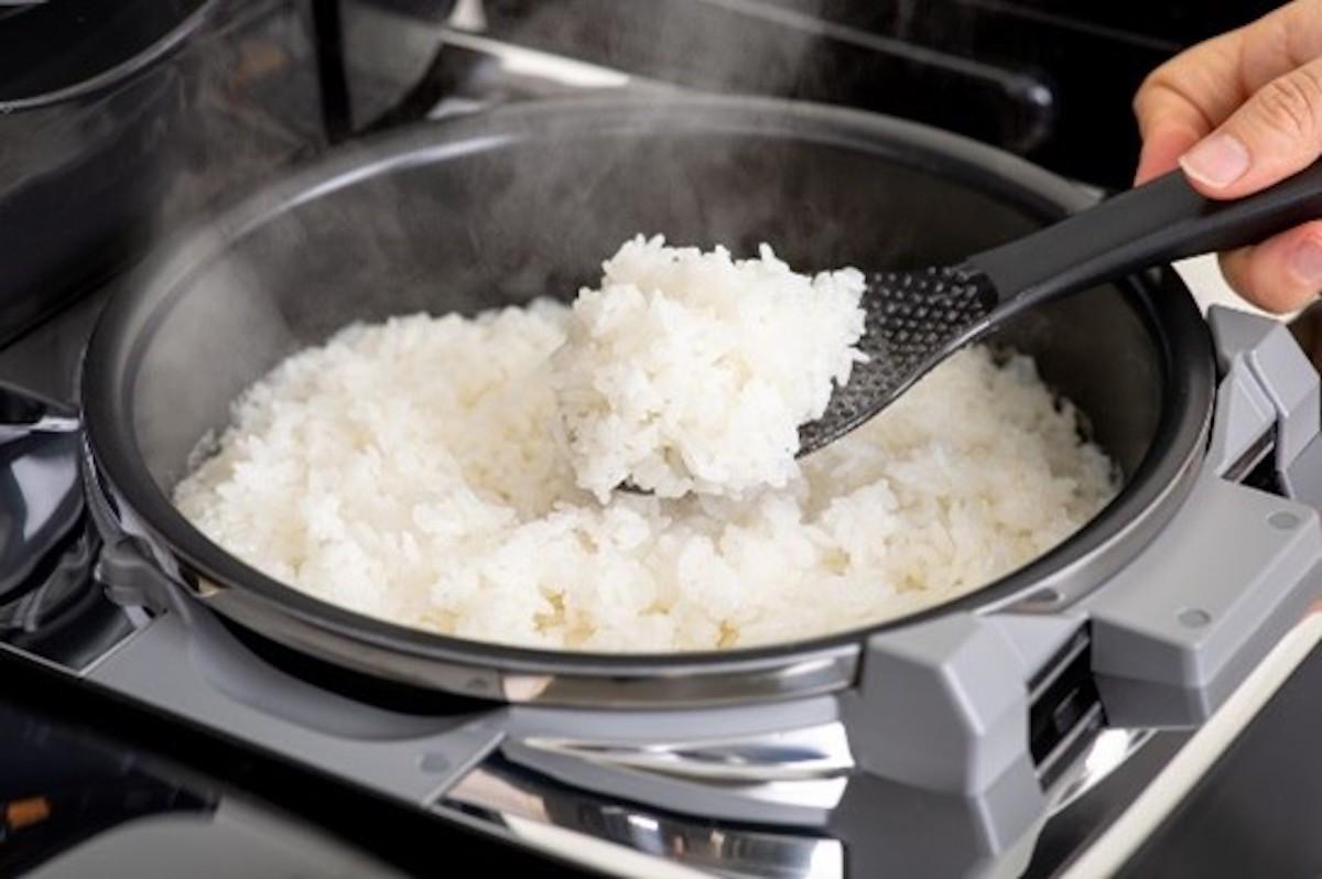 """最高級炊飯器""""炎舞炊き""""  画像提供 枚方T-SITE"""