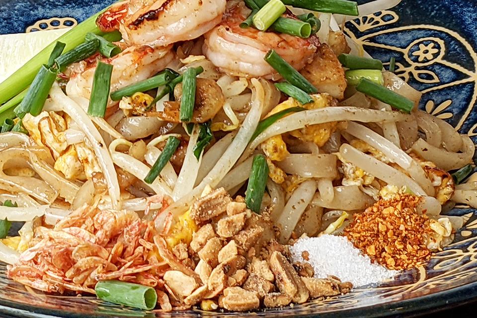 サクラエビとクラッシュナッツは自家製。プリクポン(タイ唐辛子)は群馬県から取り寄せているそう。