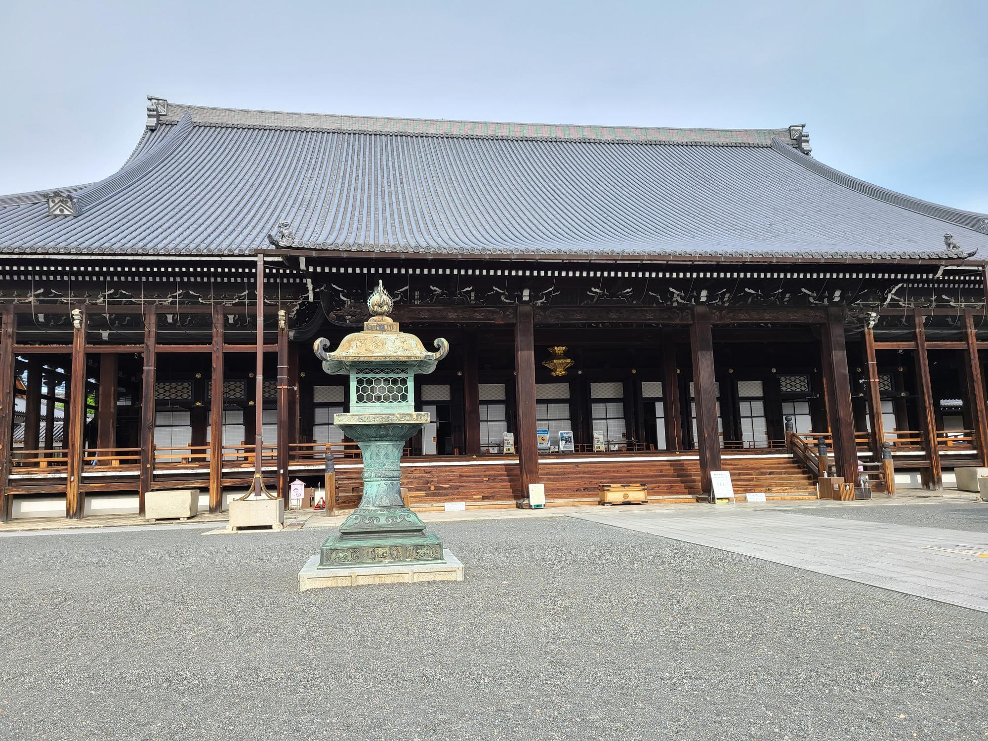 お西さんの愛称で知られる西本願寺