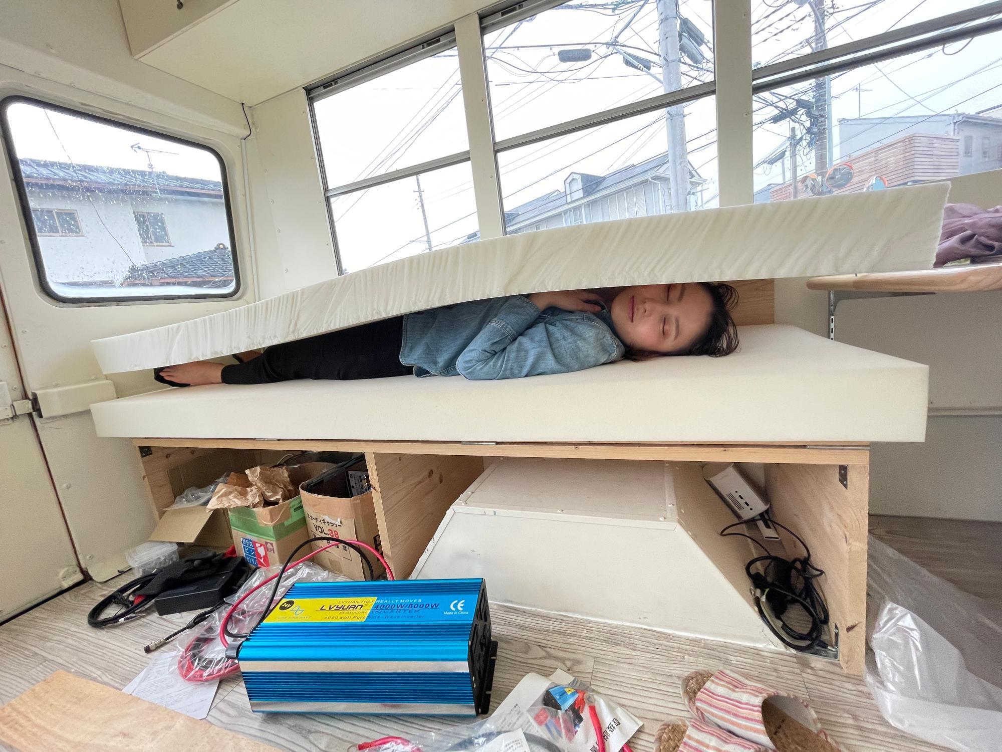 DIY中に爆睡するさあや(本気で寝てます)