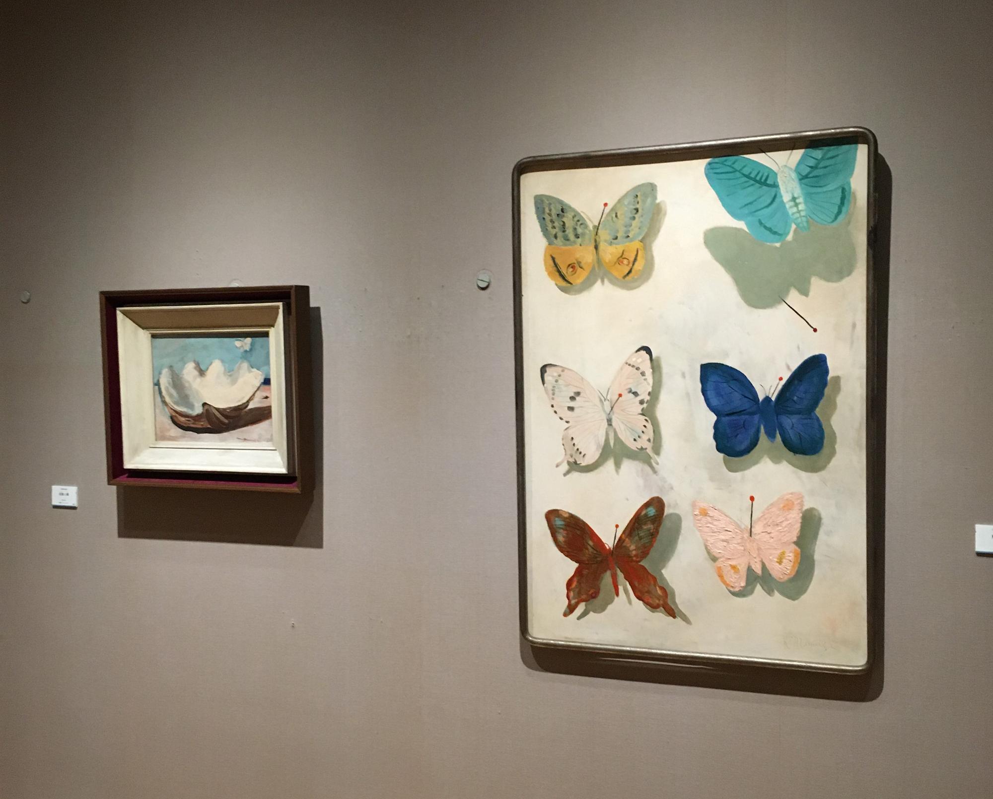 晩年の代表的なモチーフの貝と蝶。左が三岸が描いた『海洋を渡る蝶』、右が『飛ぶ蝶』。この2つが、今回の絵本にはなくてはならない絵なのです