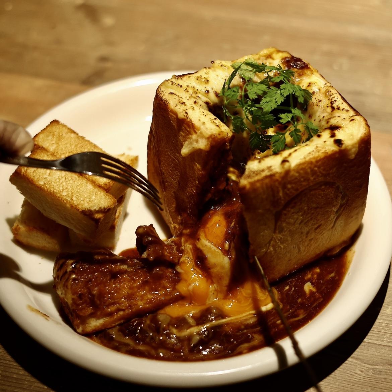 神戸牛ビーフシチューグラタントースト