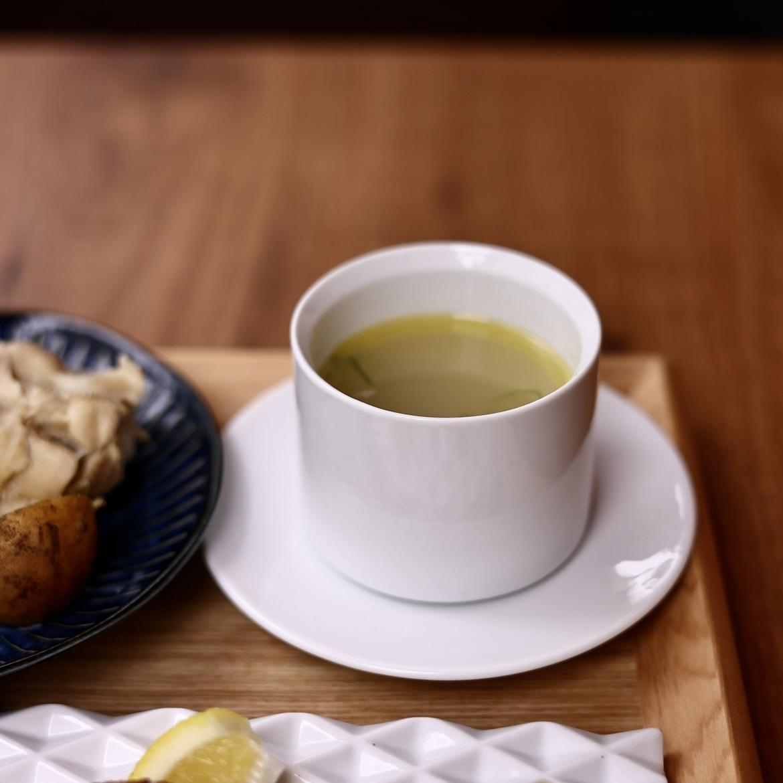 汁物も鶏スープという統一感!