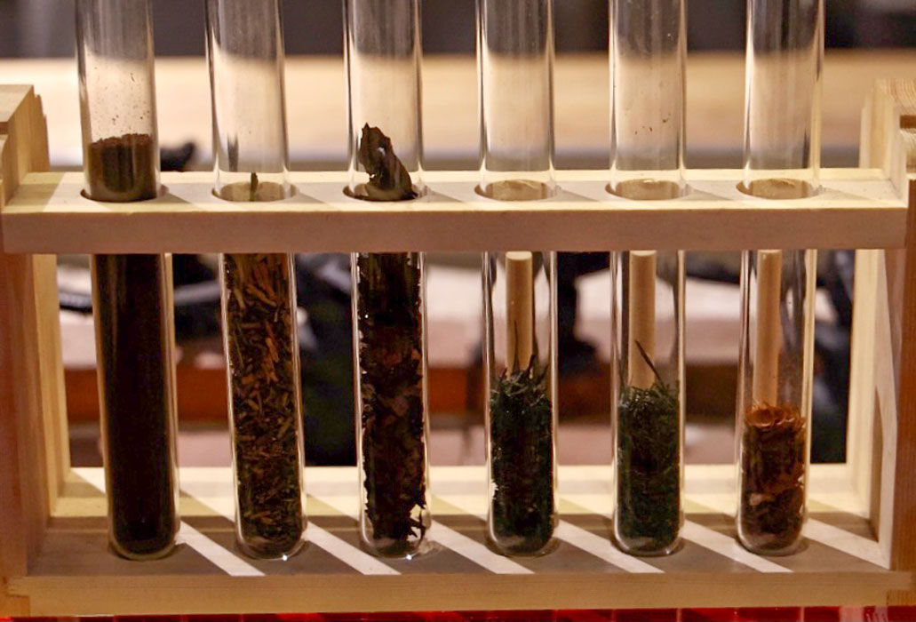 合わせていただきたいお茶は6種の茶葉から選べます。