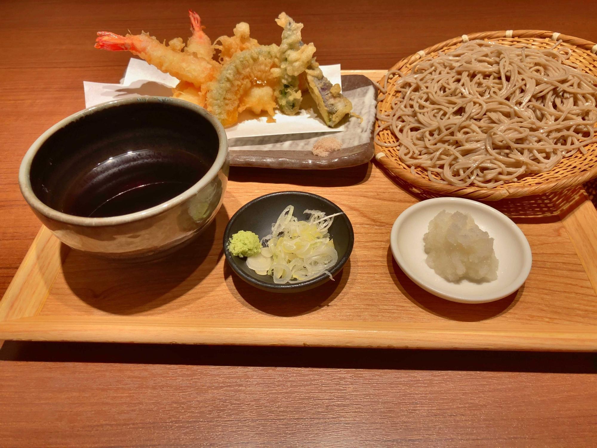 天ぷら、おろしがついてきます