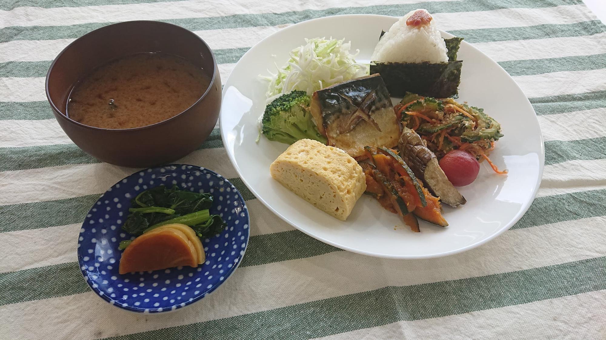 お野菜たっぷり「おそうざいセット」(650円)