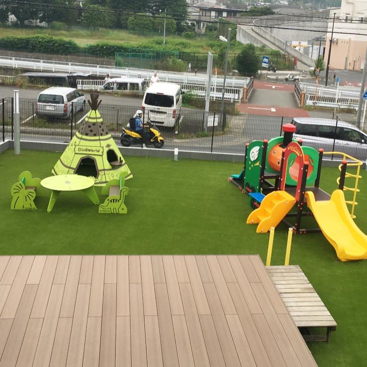 かわいい遊具での外遊びで子どもも大満足
