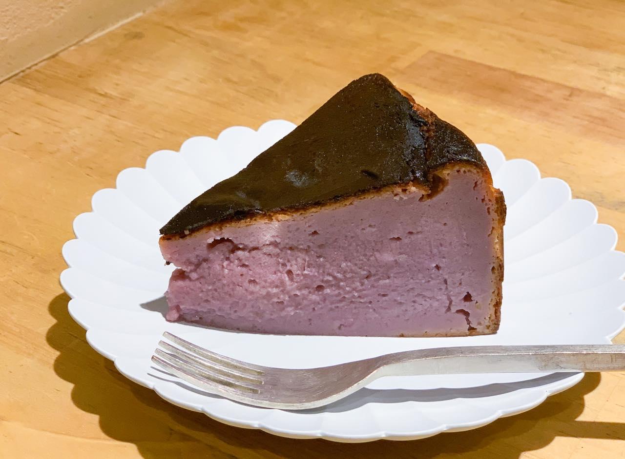 秋限定「焼き芋バスクチーズケーキ」680円