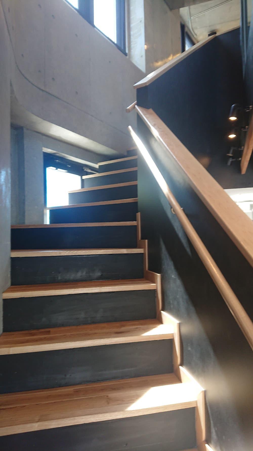 らせん階段を上っていくと・・・