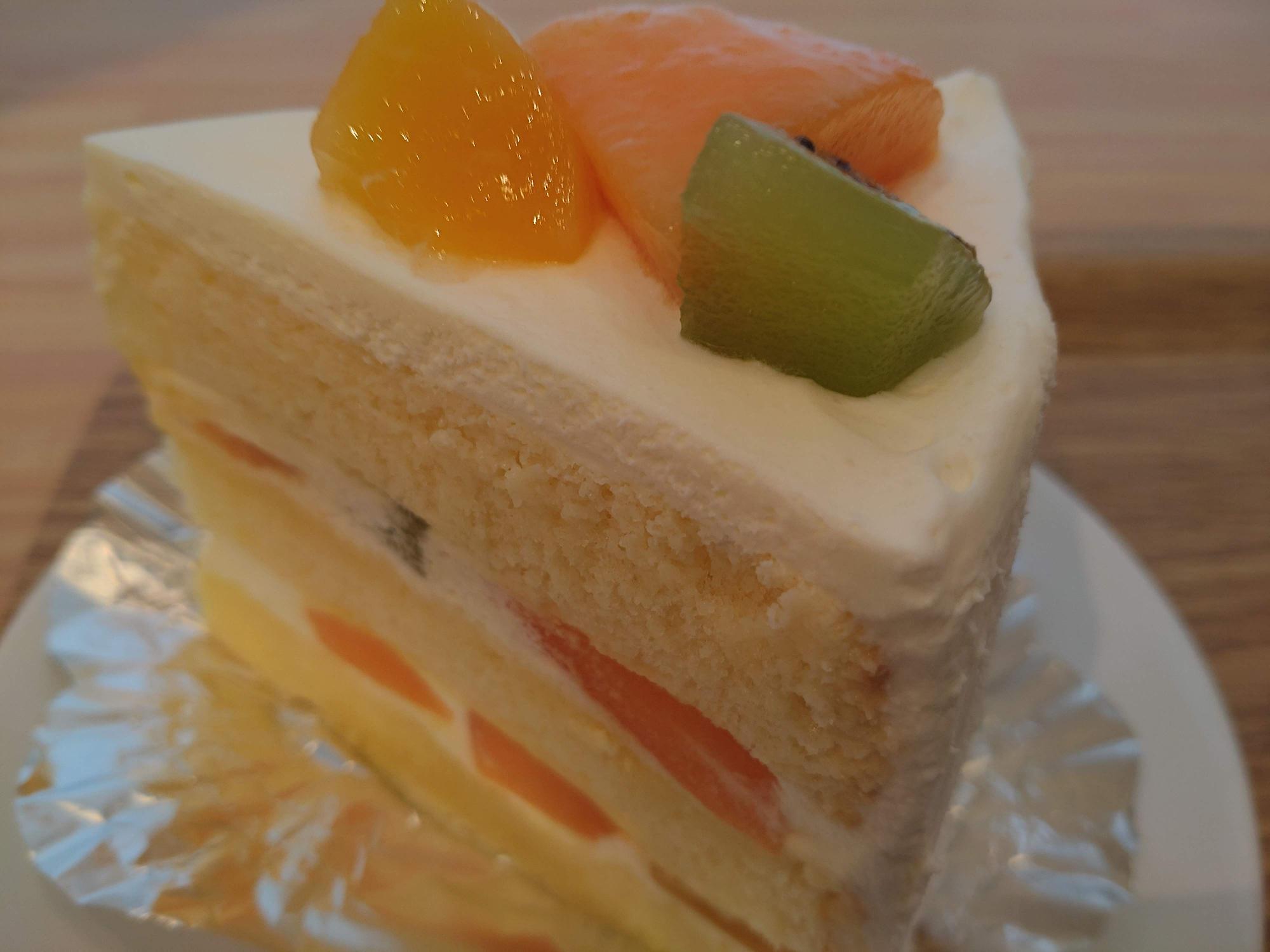 フルーツショートケーキ(税込550円)