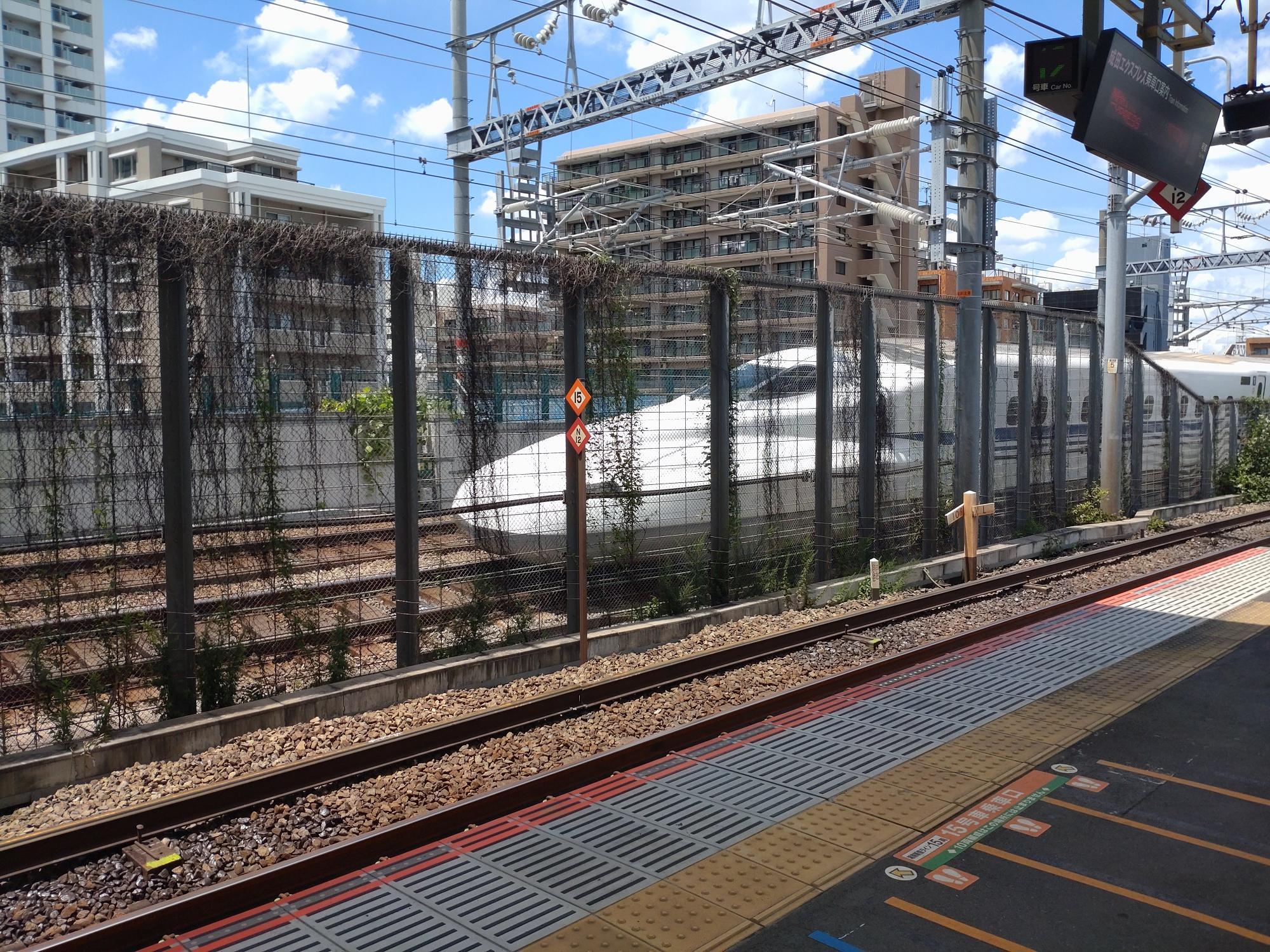 スピードがのってる新幹線