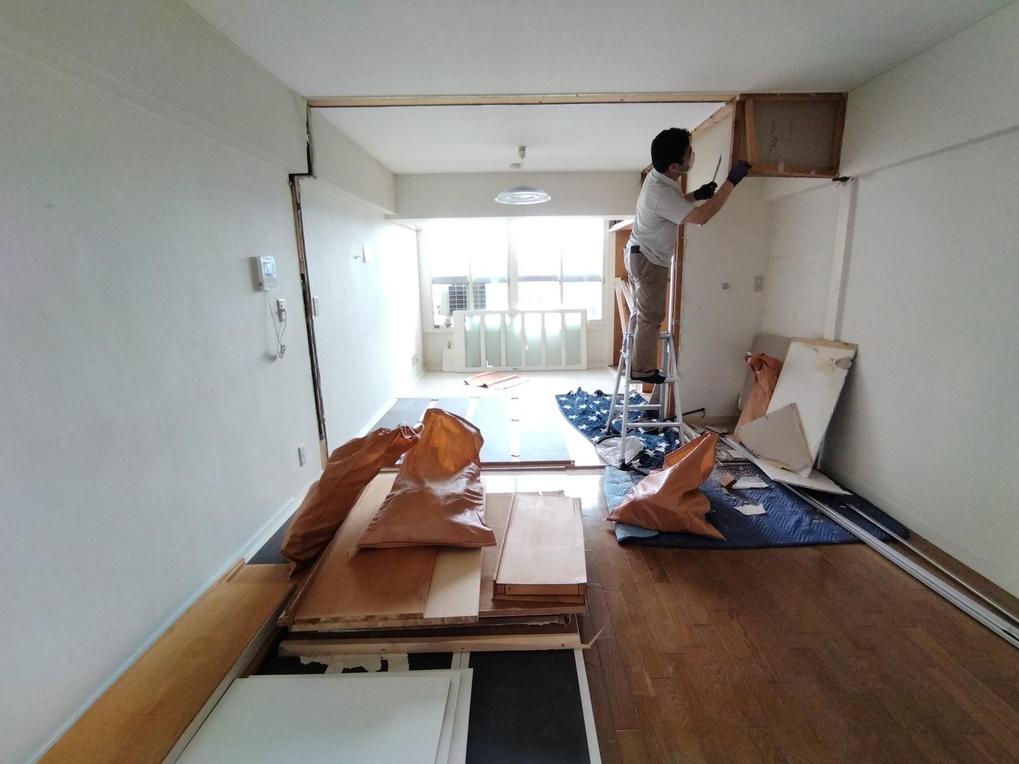工期は3日。1日目に解体を済ませ、2日目に廃材を撤去、3日目に床を補修してくれました。しかも見積もりよりちょっと安くなりました。