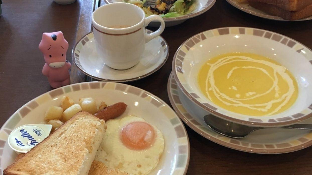 単品で150円するコーンクリームスープがついてくる!サラダセットに負けず劣らずお得です。