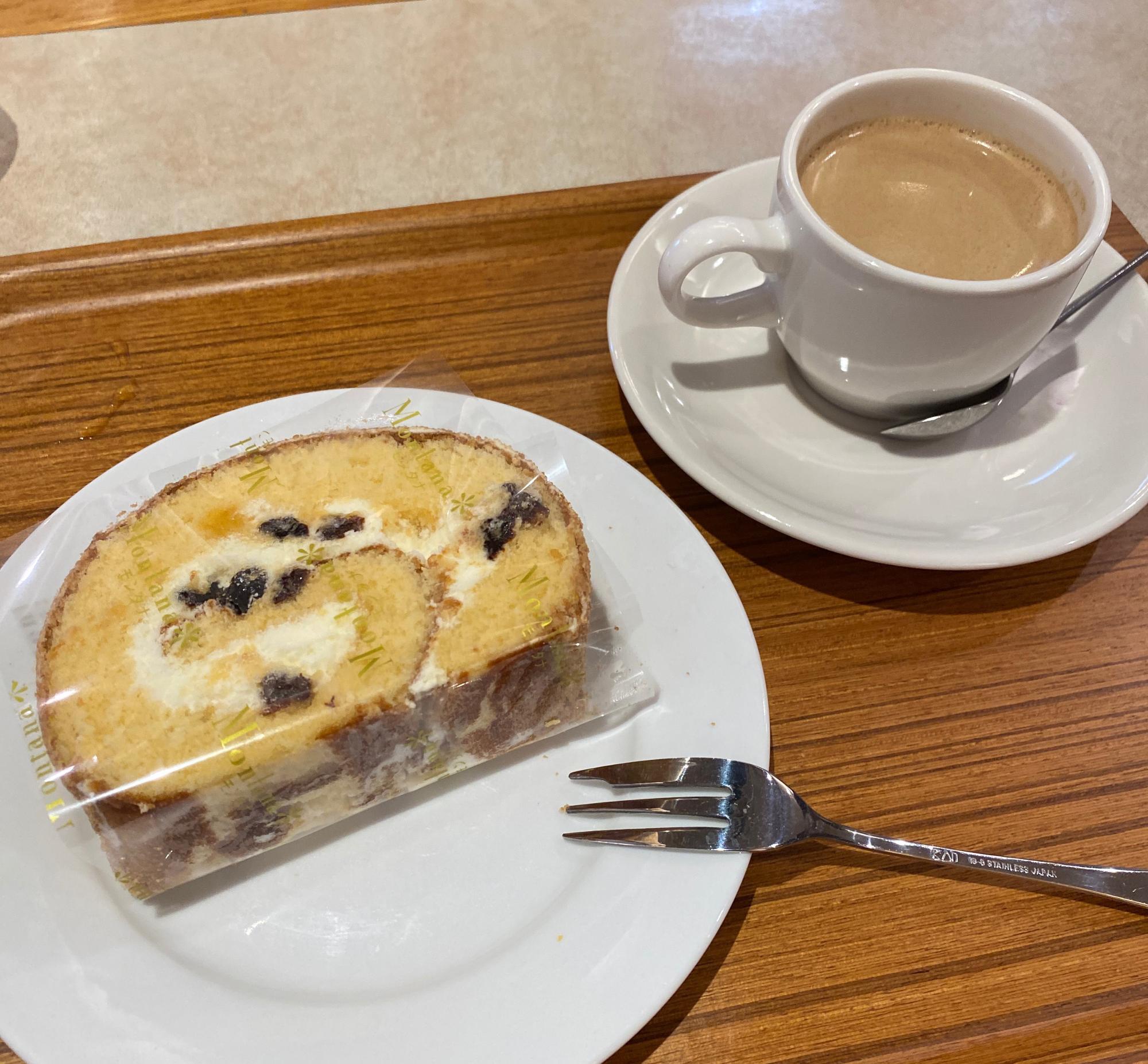 バタークリームが使用されているロールケーキ
