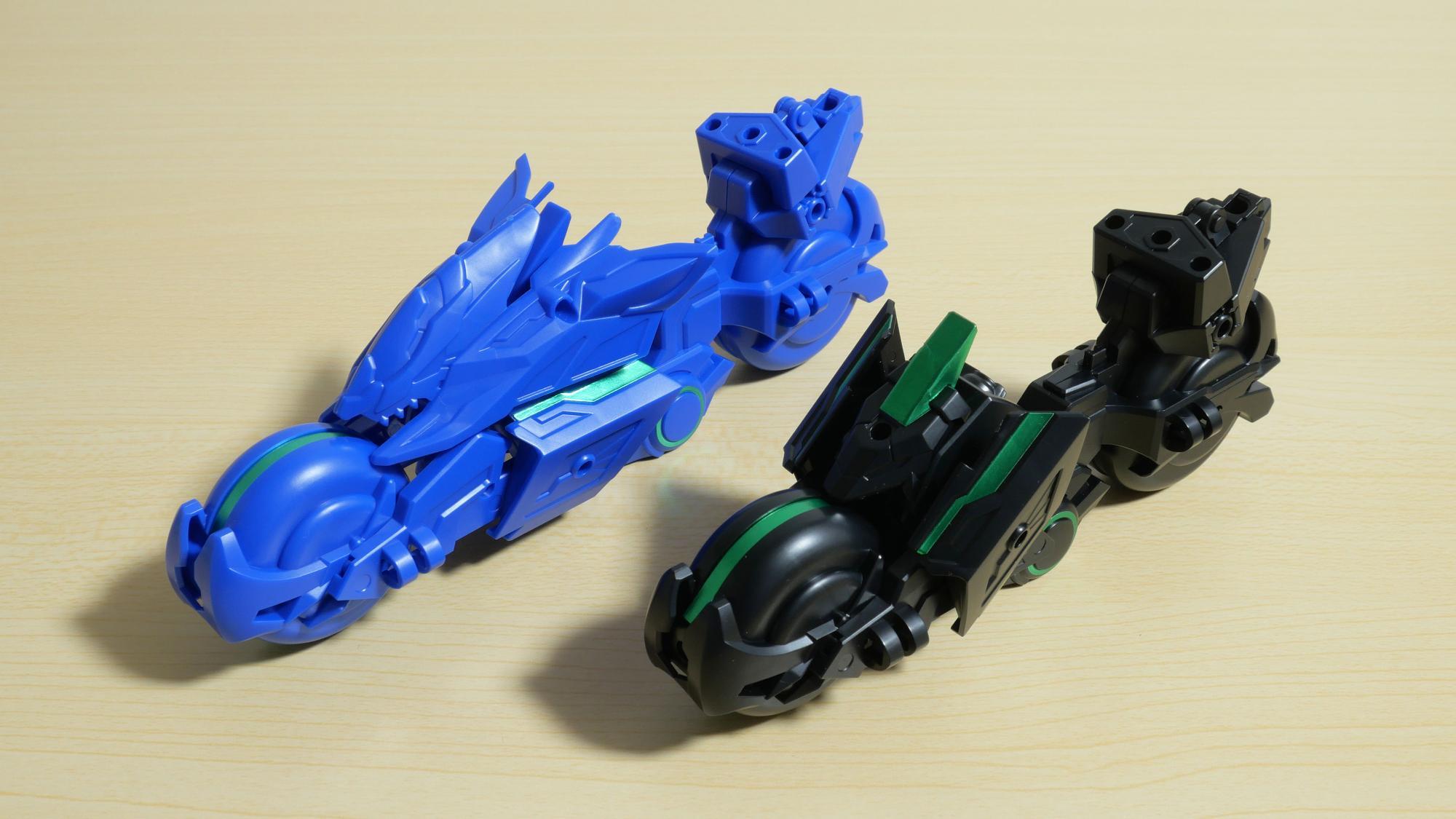 左:碧竜駆 / 右:トリニティバイク