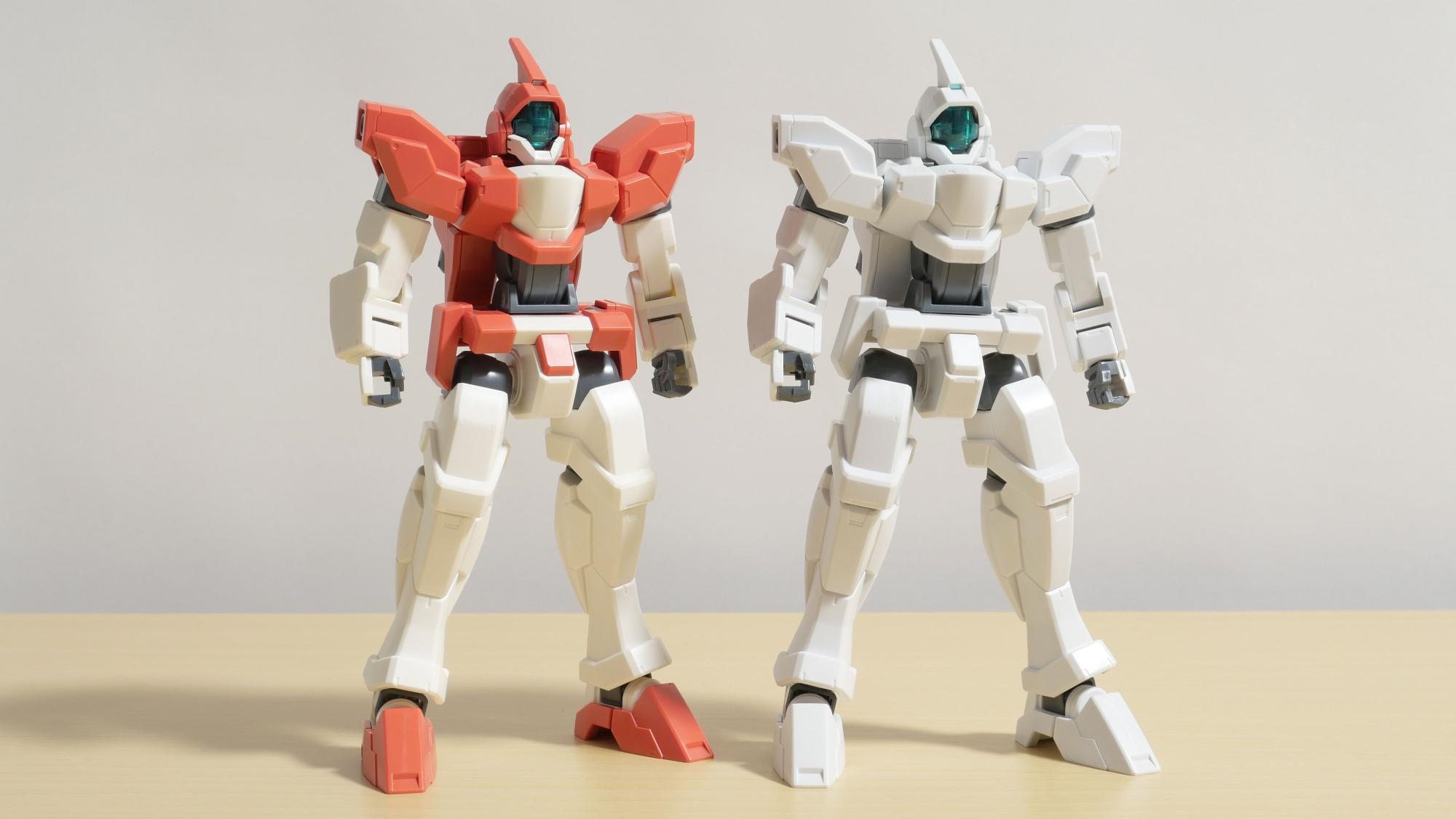 左:ジェノアスII(当キット) / 右:ジェノアスカスタム