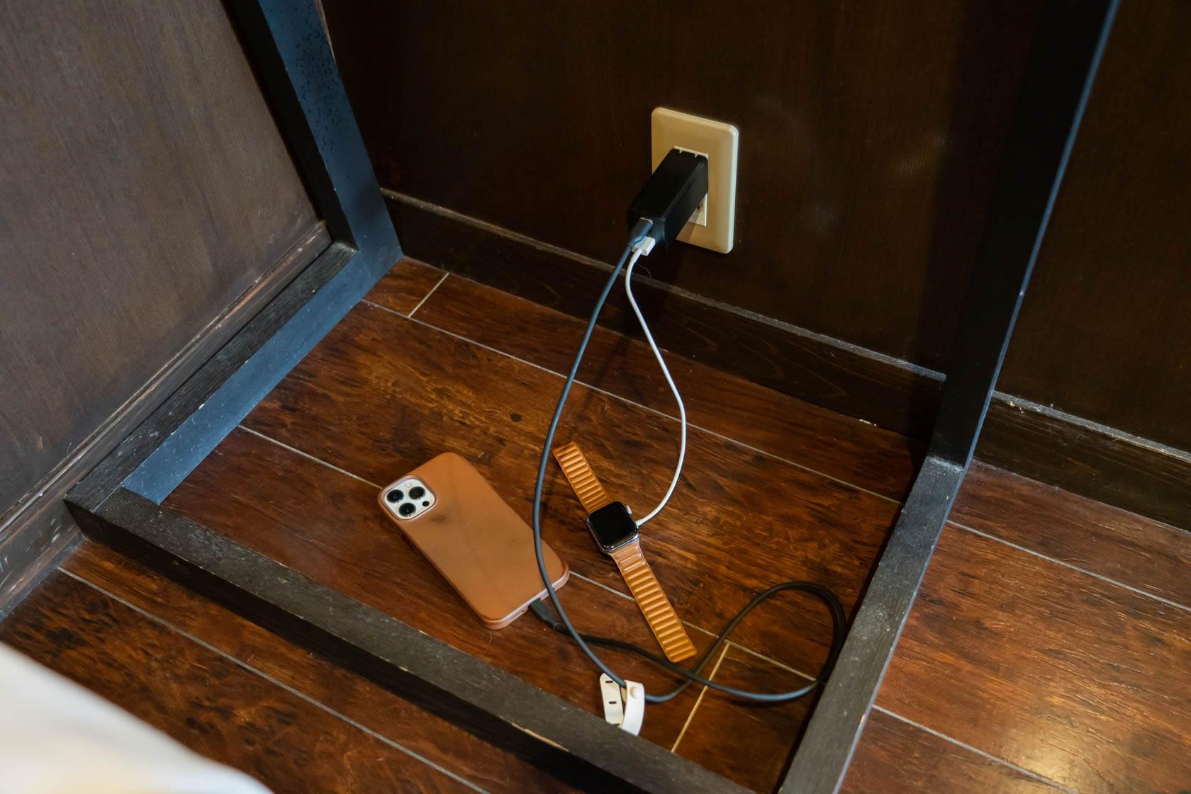 旅先での充電環境はごちゃごちゃしがち