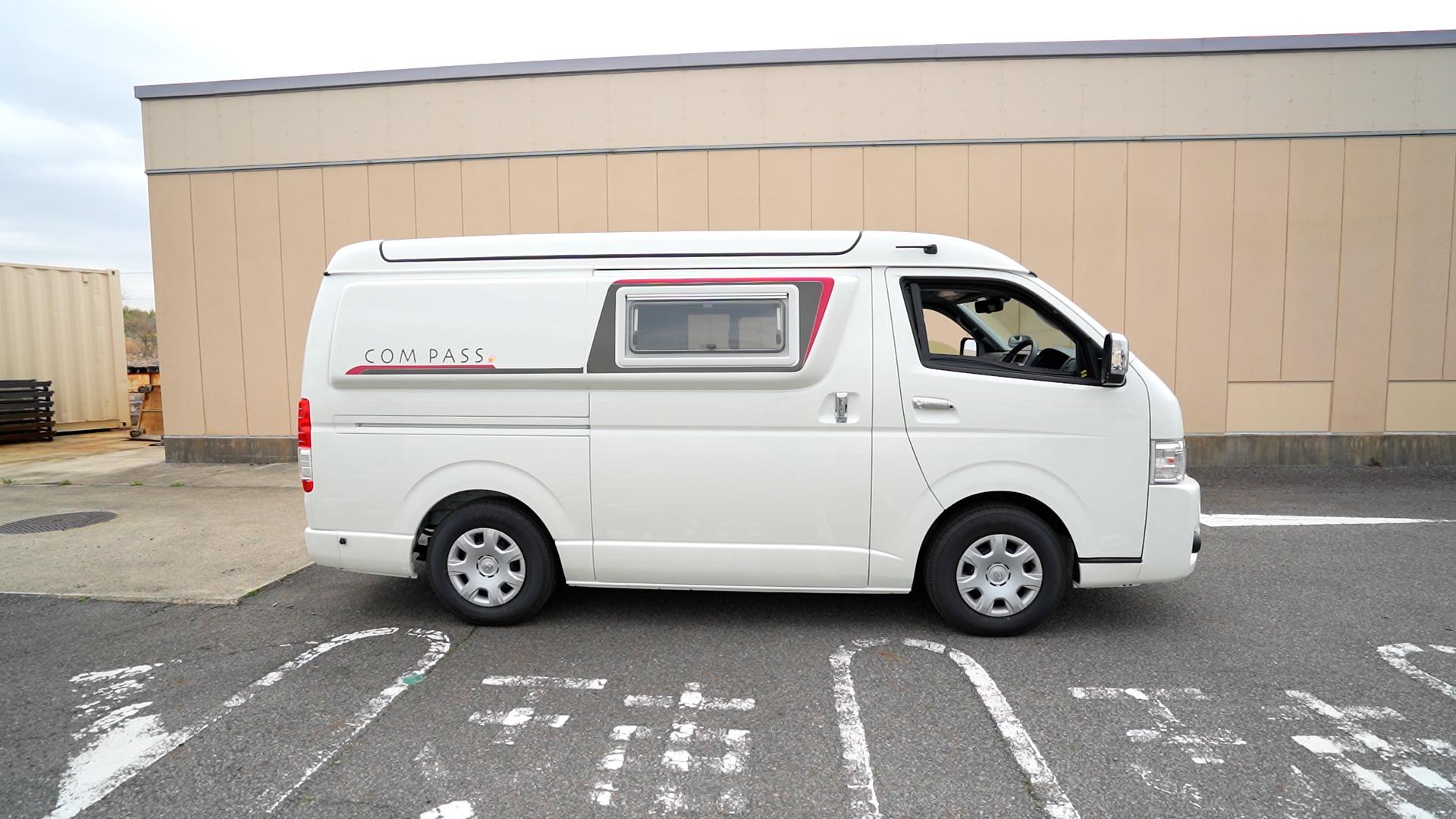 オートプラネット名古屋の駐車場の隅をお借りして撮影しました