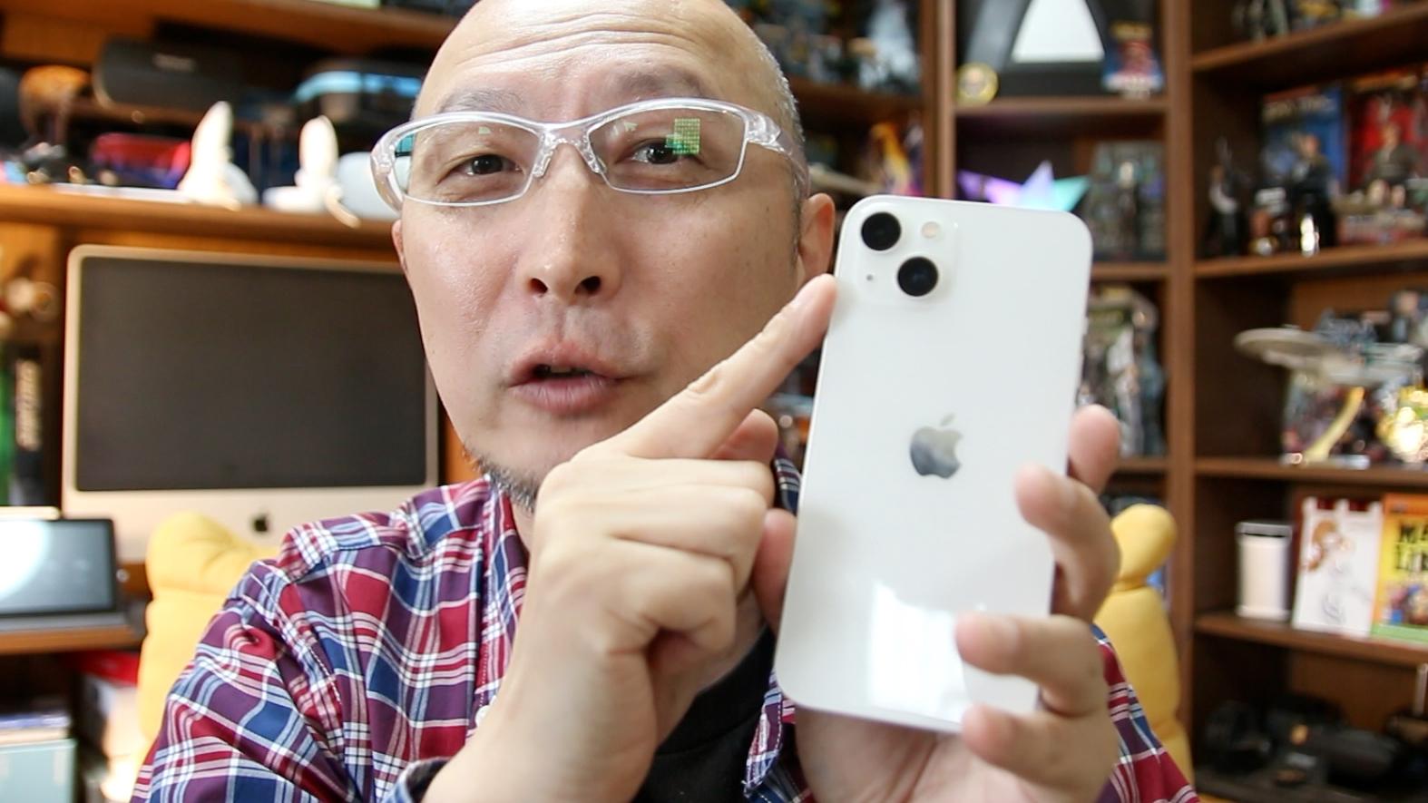 iPhone13/miniには望遠とマクロがない…